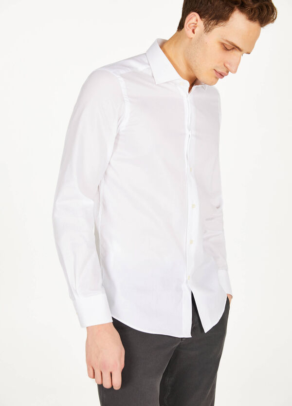 Slim-fit formal shirt in 100% cotton
