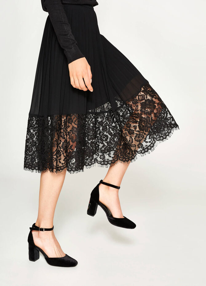 Pleated longuette skirt with lace