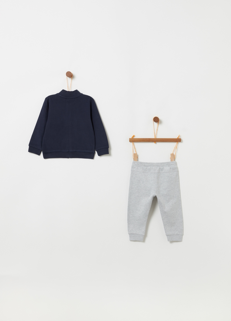 Jogging set consisting of sweatshirt and trousers in 100% cotton image number null