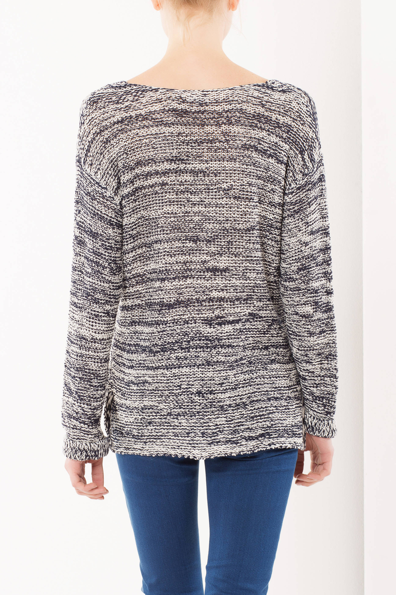 Two-tone V-neck sweater image number null