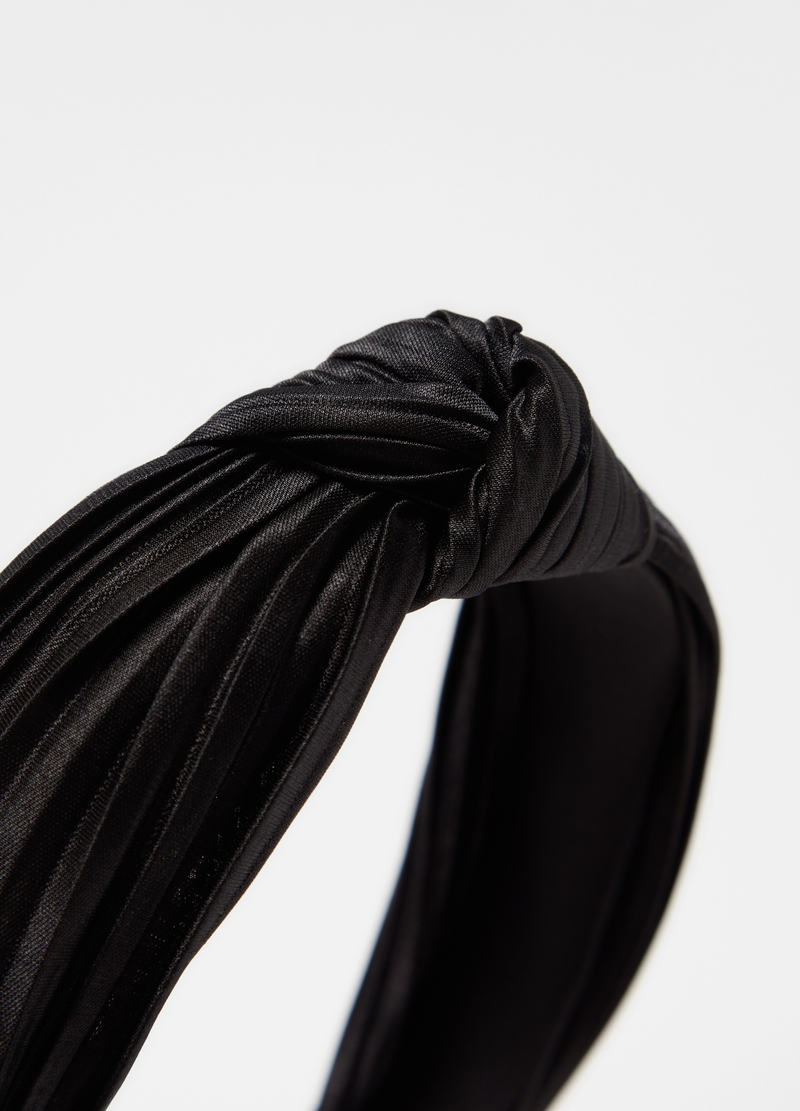 Pleated fabric hairband with knot image number null