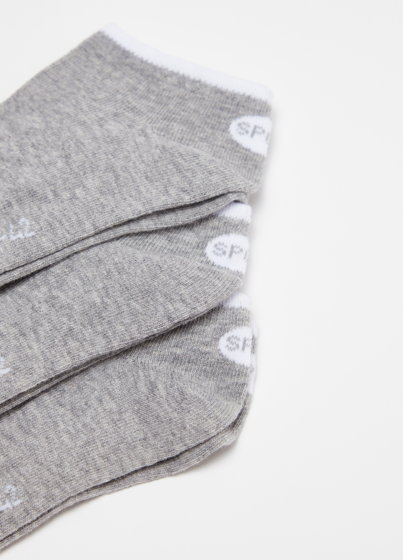 Three-pair pack short socks with lettering image number null