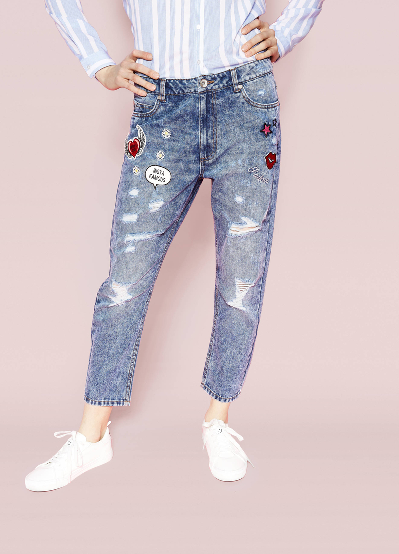 Jeans boyfriend fit maltinti con patch image number null
