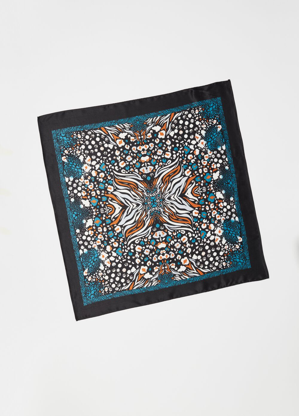 Foulard with Arabesque animal print pattern
