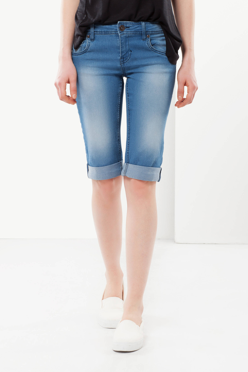 3/4-length jeans image number null
