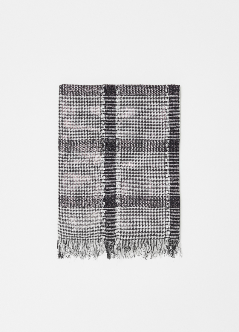 Hound's tooth scarf in 100% viscose image number null