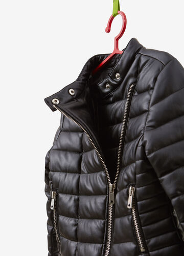 Padded jacket with asymmetric zip