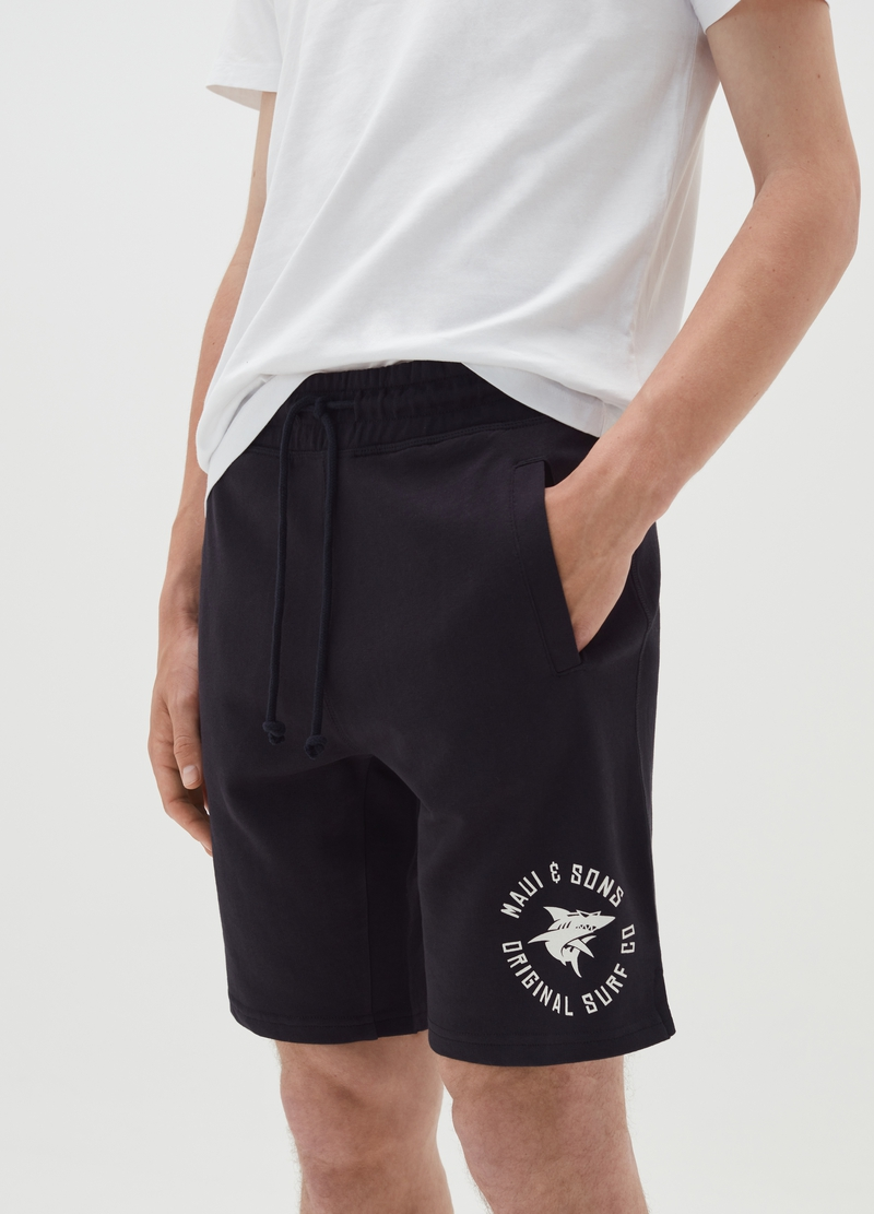 Bermuda jogger shorts by Maui and Sons image number null