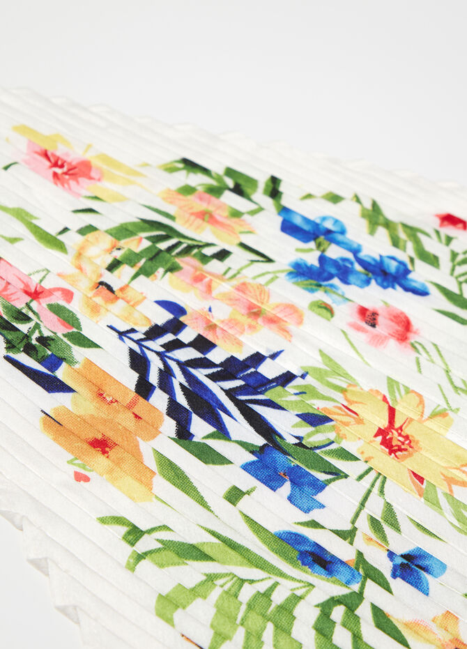 Floral patterned pleated scarf