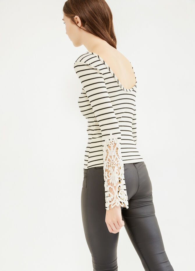 T-shirt a costina a righe con pizzo
