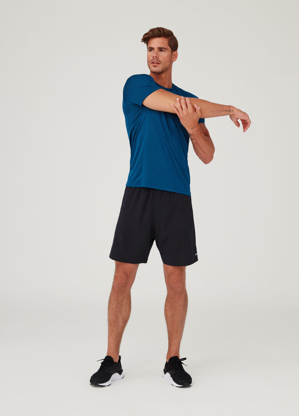 Shorts with openwork insert and splits