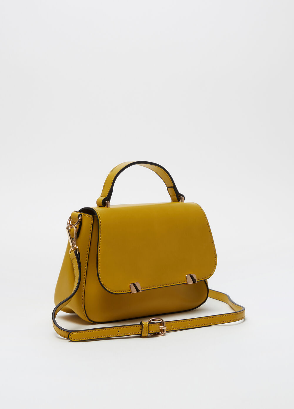Shoulder bag with buttons and flap