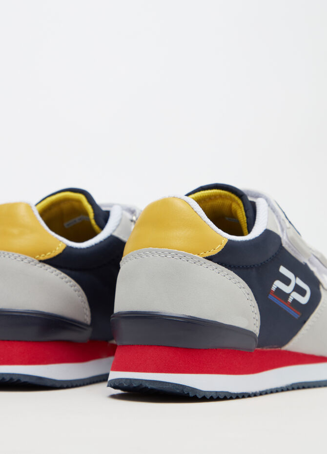 Two-tone sneakers with Velcro fastening
