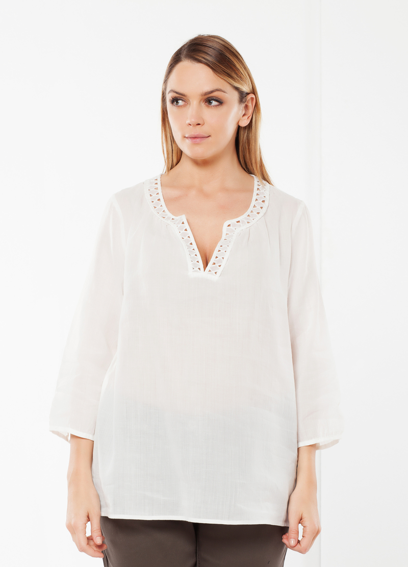 Curvy blouse with openwork neckline image number null