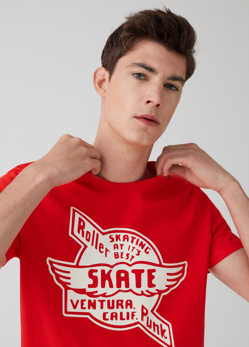 T-shirt in puro cotone stampa lettering e skate image number null