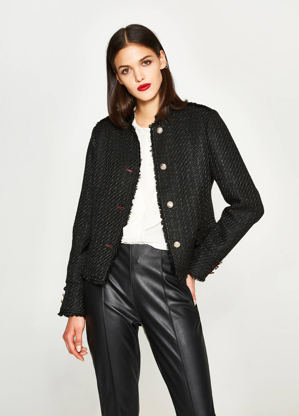 Knitted blazer with buttons