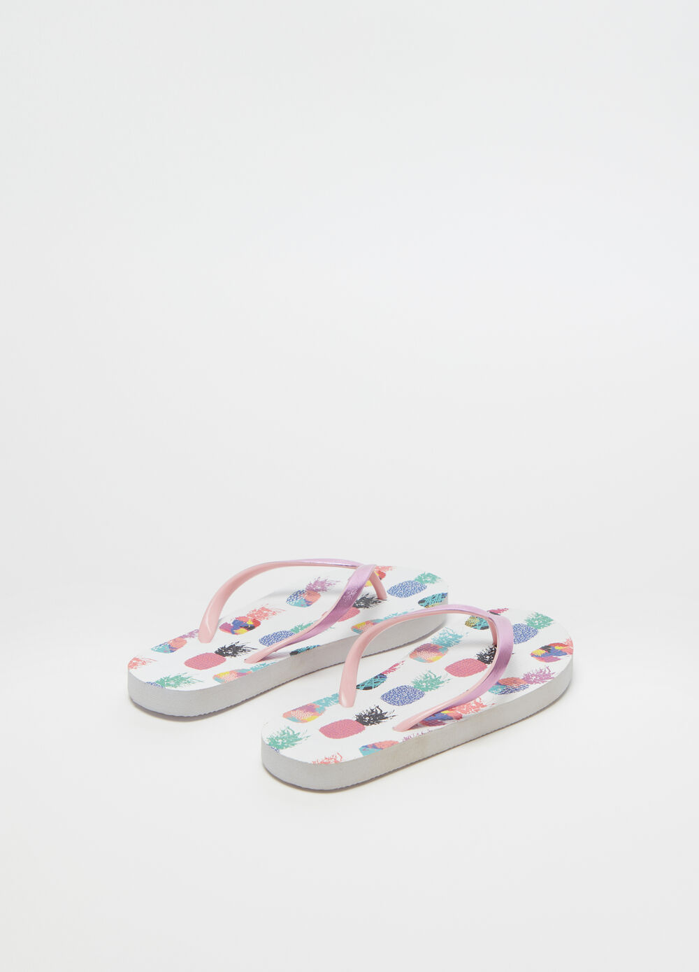 Thong sandals with pineapple pattern