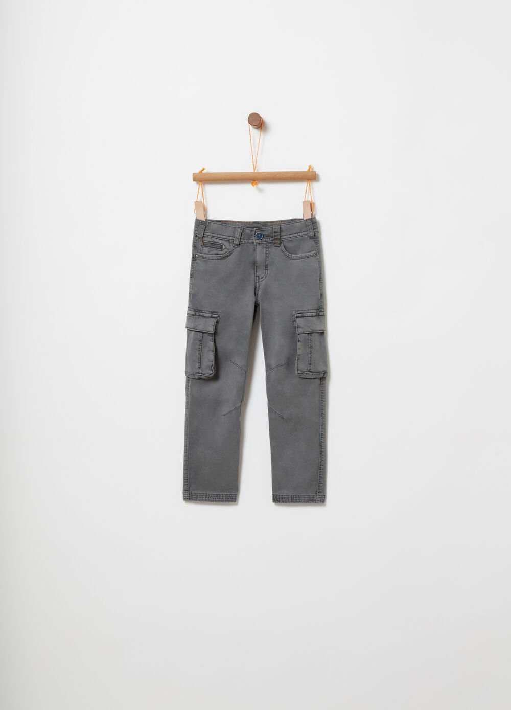 Stretch fabric cargo trousers