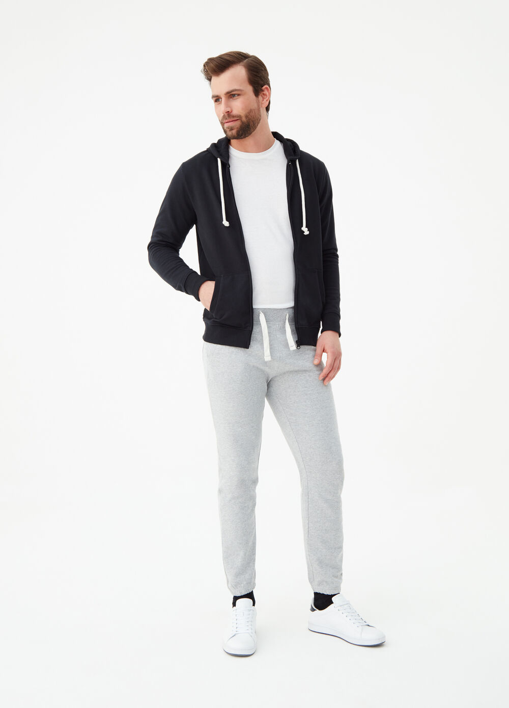Jogger trousers with small embroidered
