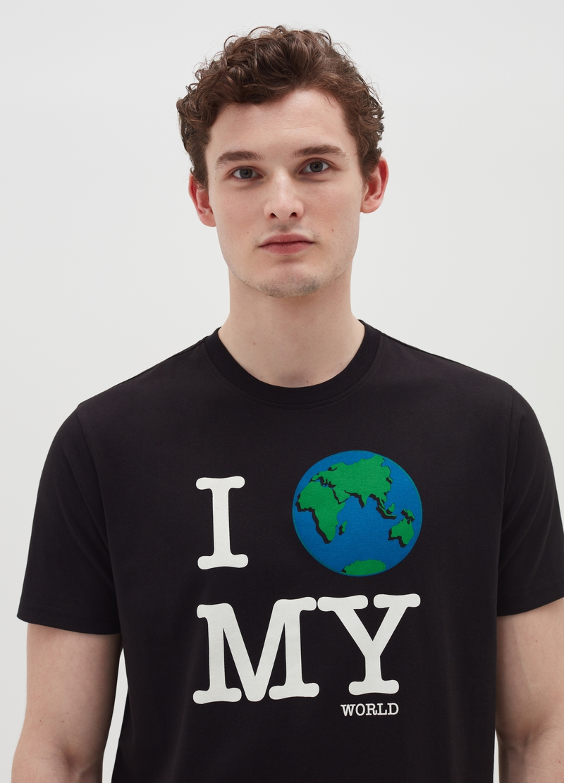 T-shirt con stampa lettering e pianeta Terra image number null