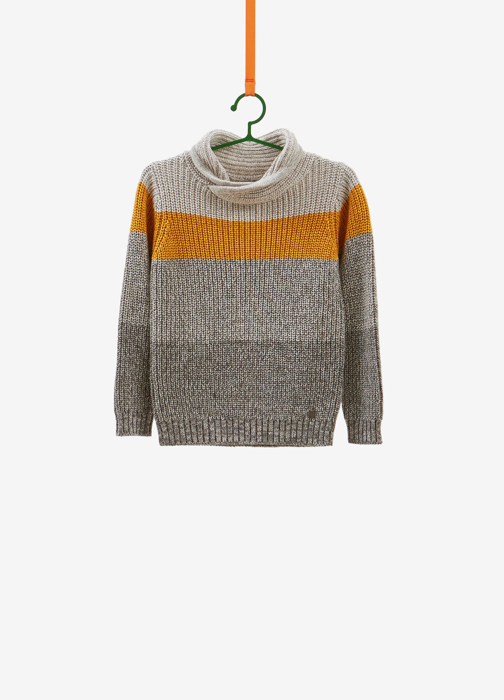 Pullover with striped braided weave