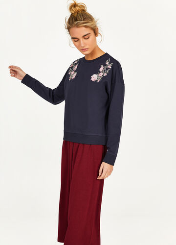100% cotton sweatshirt with floral embroidery