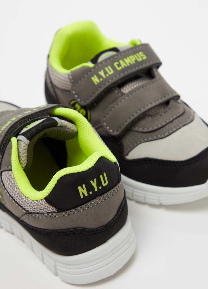 Sneakers con tomaia a contrasto stampa image number null