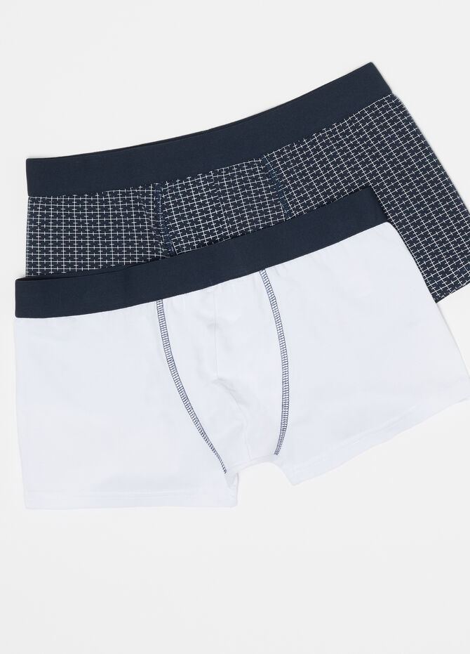 Two-pack boxer shorts with internal elastic and pattern