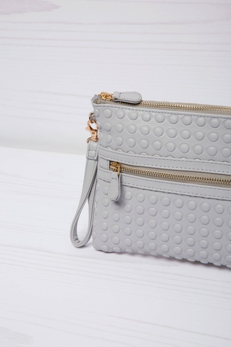 Solid colour leather look clutch. image number null