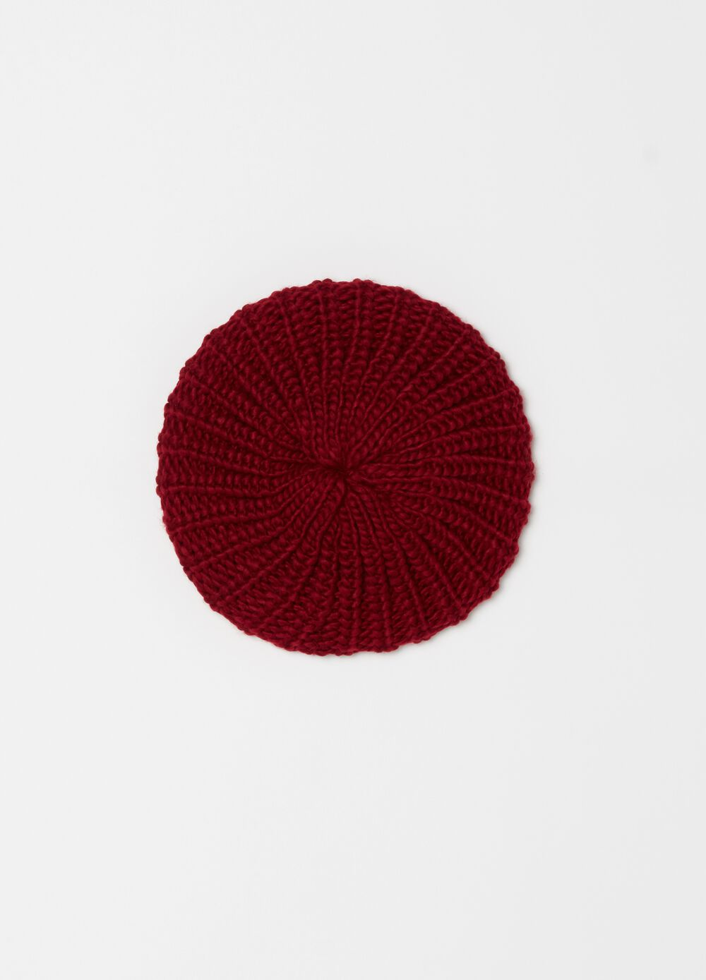 Solid colour knitted beret