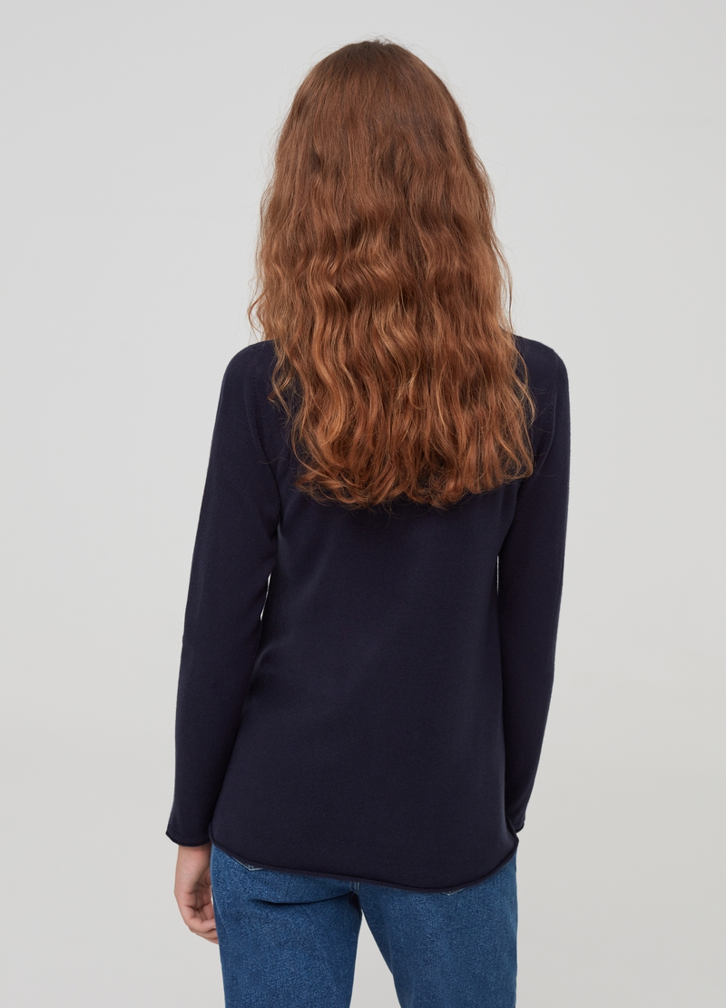 Crew-neck pullover with splits on the cuffs image number null