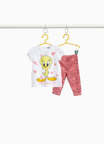 Outfit with print and Tweetie Pie pattern