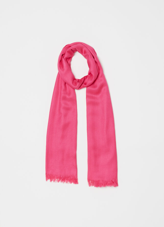 Solid colour pashmina with fringed edges