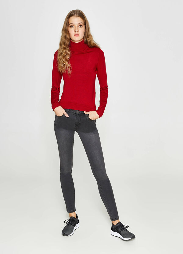 Push-up-fit washed-effect stretch jeans