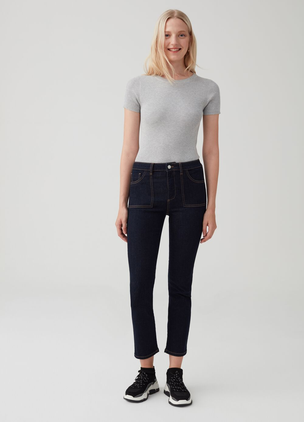 Solid colour stretch utility-style jeans