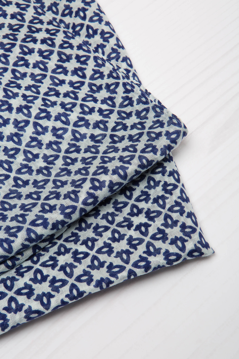 100% viscose patterned scarf image number null
