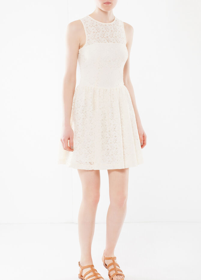 Sleeveless dress in lace