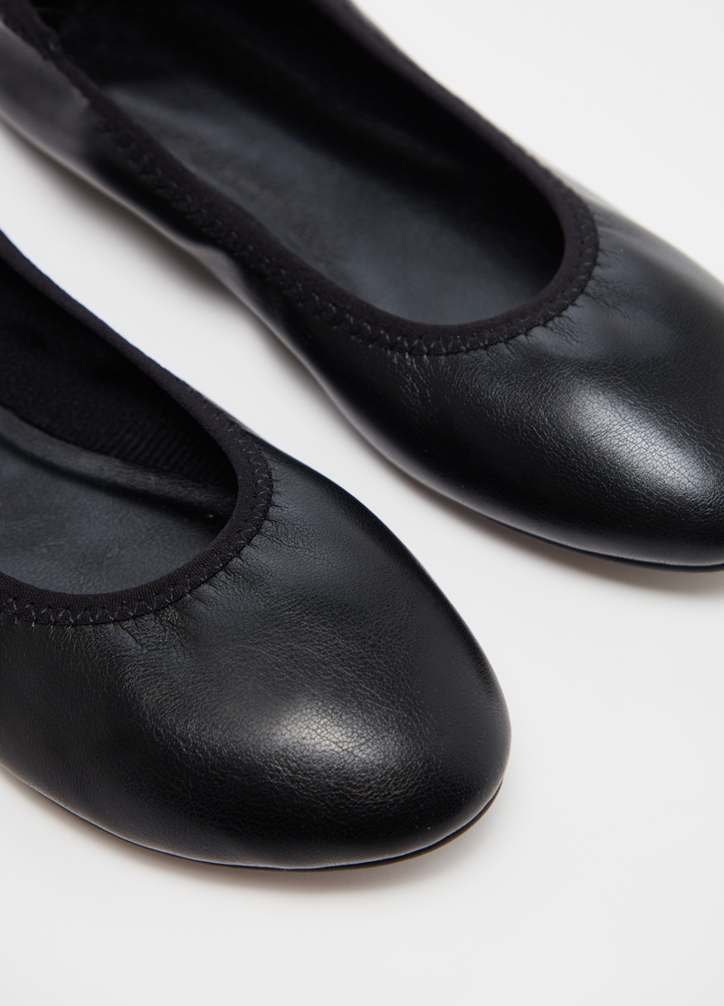 Ballerina flats with round toe image number null