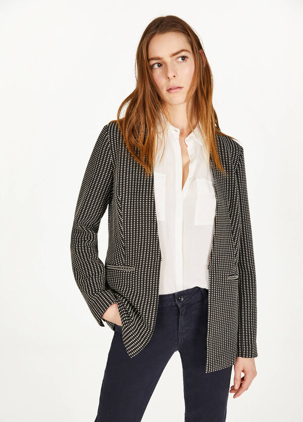 Geometric patterned jacquard blazer