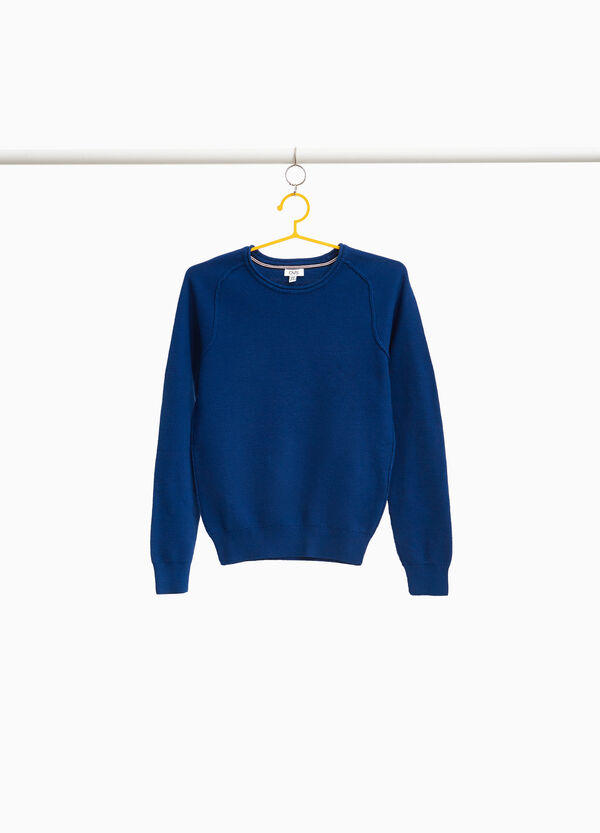 100% cotton pullover with raglan sleeves