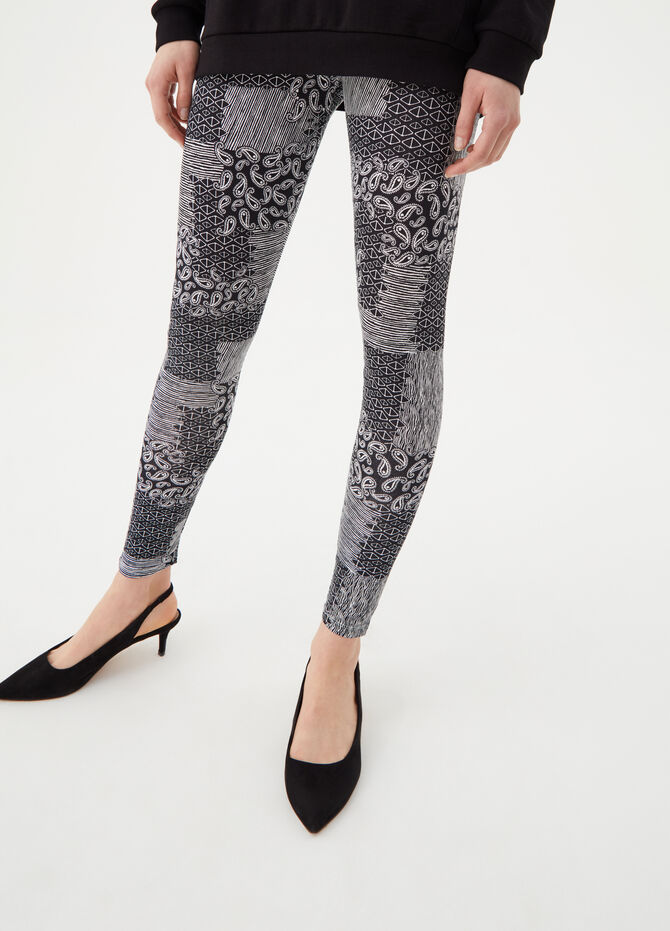 Leggings with geometric and paisley pattern
