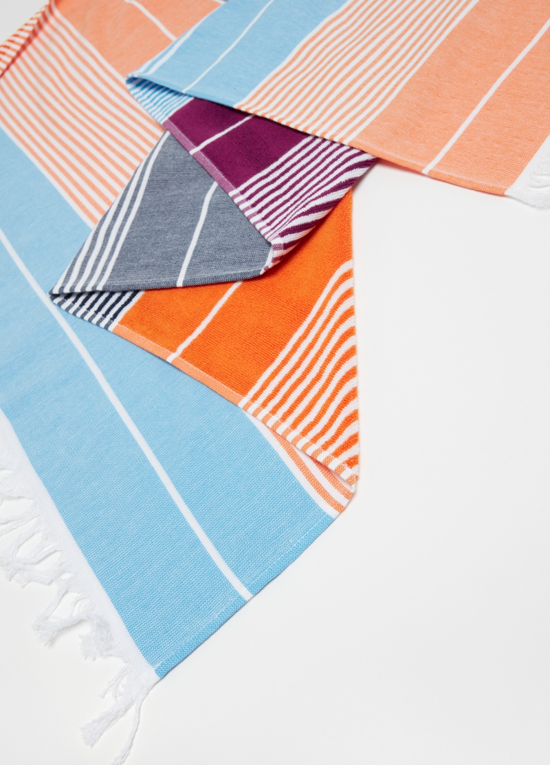 Fine striped beach towel in 100% cotton image number null