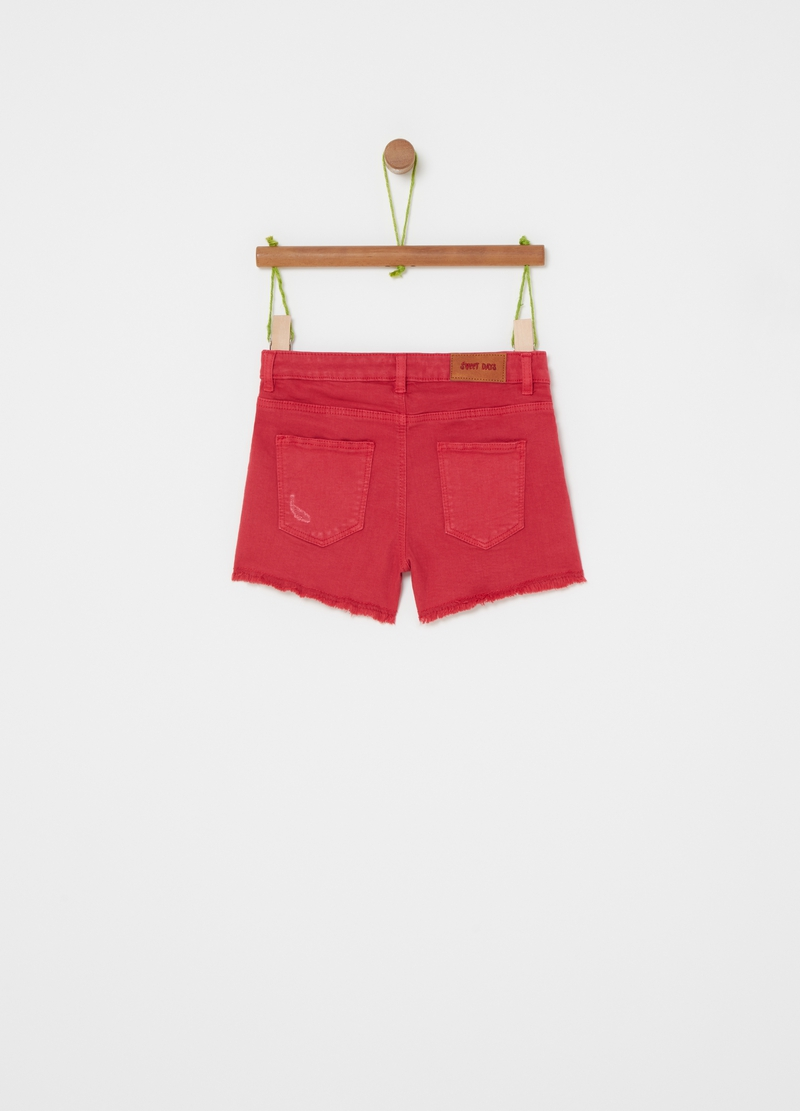 Shorts in cotone stretch con abrasioni image number null