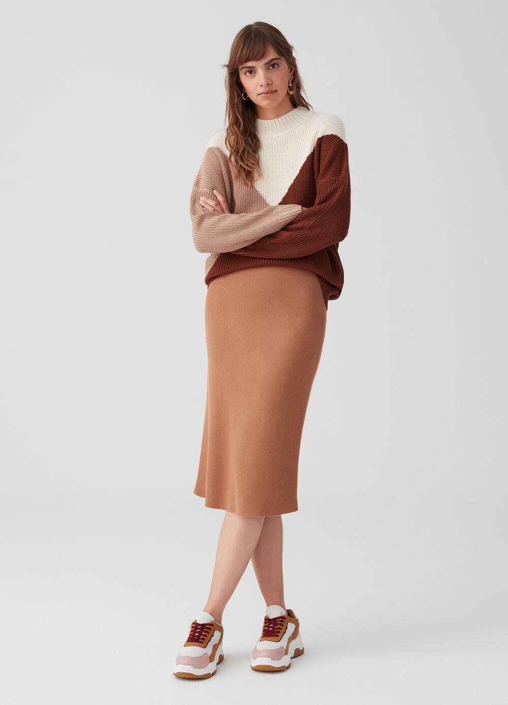 Knitted pencil skirt with split