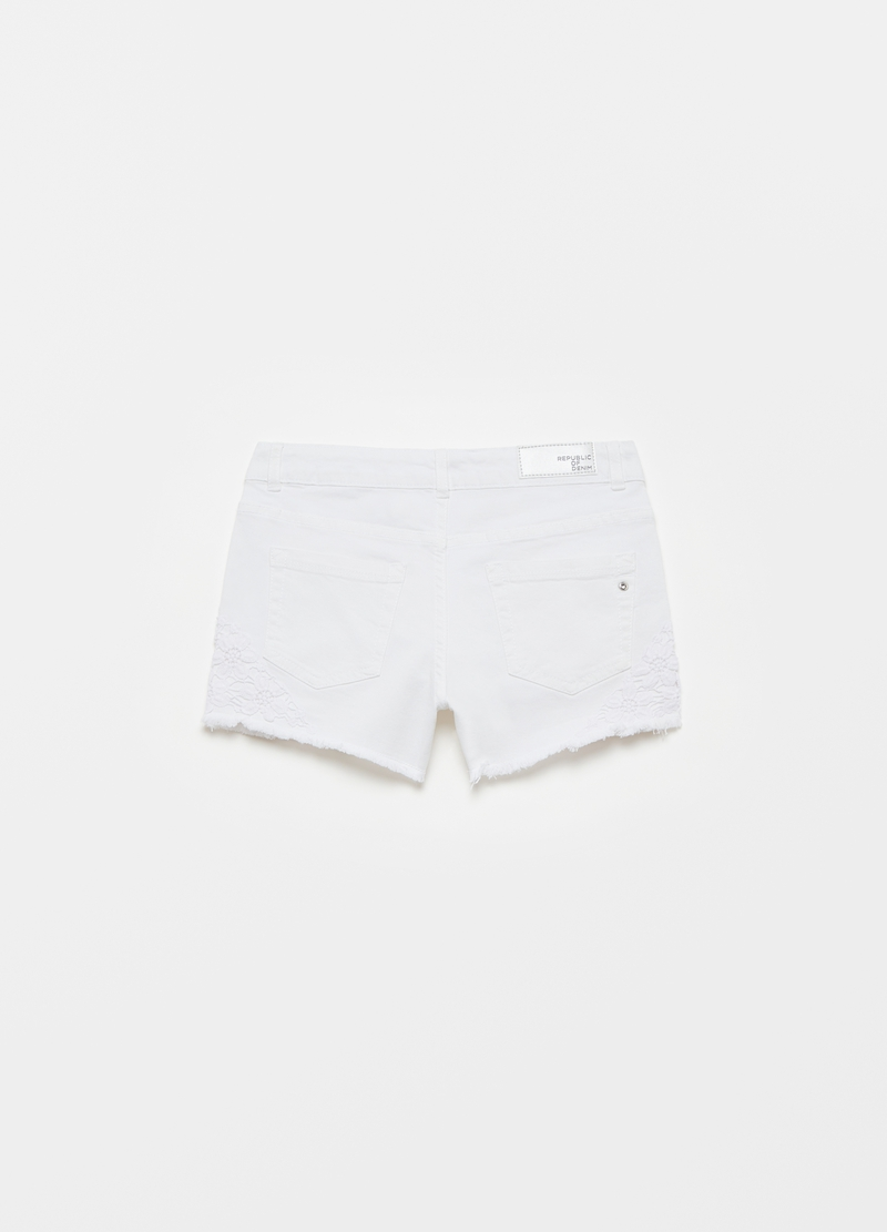 Denim shorts with macramé insert image number null