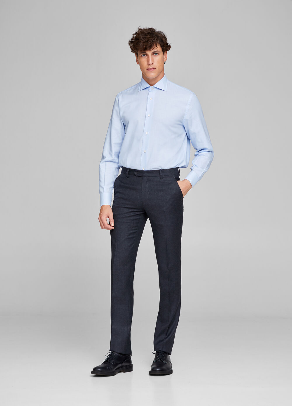 Wool blend trousers with crease