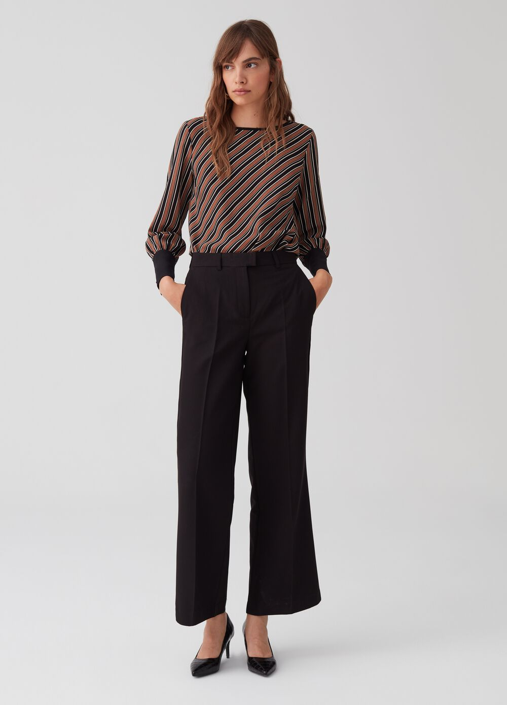 Formal wide-leg trousers with pockets