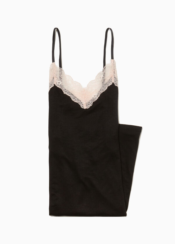 Sleeveless nightshirt with lace