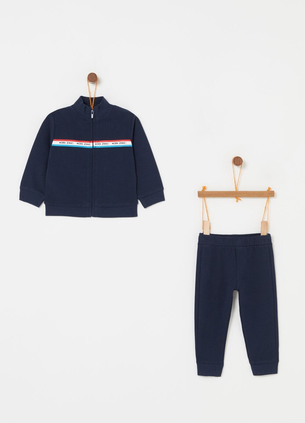 Jogging set with sweatshirt with zip and trousers