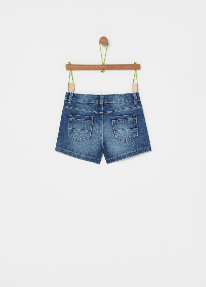 Shorts in denim con strass image number null